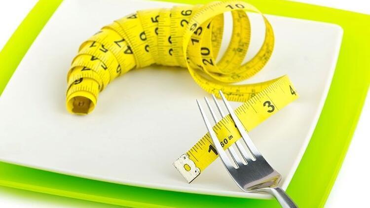 Diyet yaparken aç kalmak zayıflatmıyor!