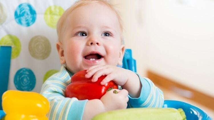 Anne babalar öğrenmeli: Bebeklere sebzeyi sevdirmenin 5 yolu