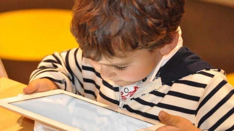 Çocukların internet güvenliği için ebeveyn denetimi şart