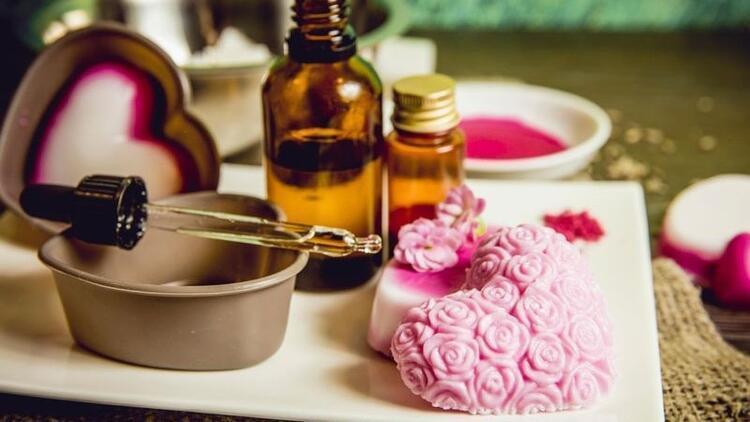Evde sabun yapımı – Dekoratif, hediyelik, mis kokulu