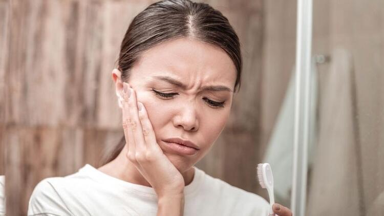 Diş eti iltihabı neden olur, nasıl tedavi edilir?