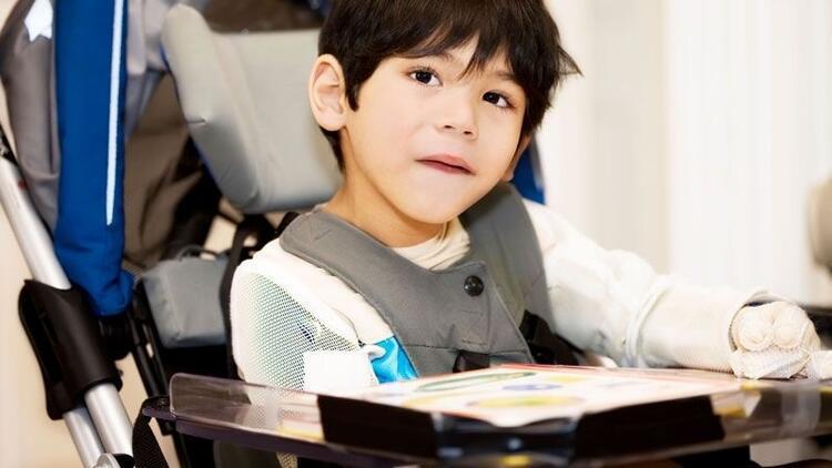 """Cerebral Palsy'li çocukların """"bütüncül"""" gelişim takibi önemli"""