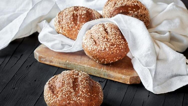 Bebekler için tam buğday unlu ekmek yapımı