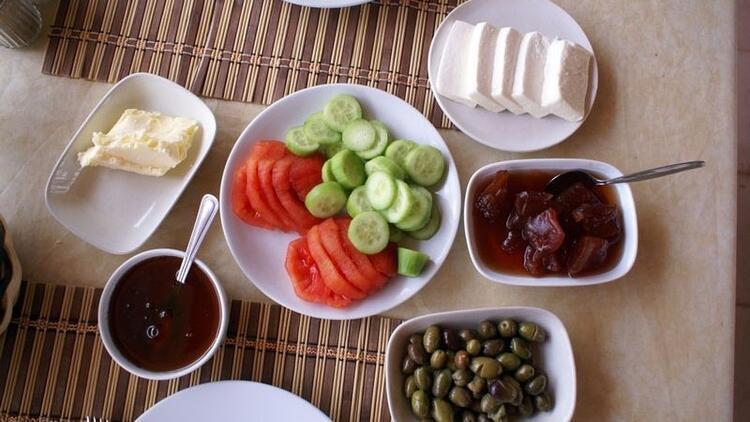 Kahvaltılık yiyecekler iftarda da sahurda da tüketilmeli