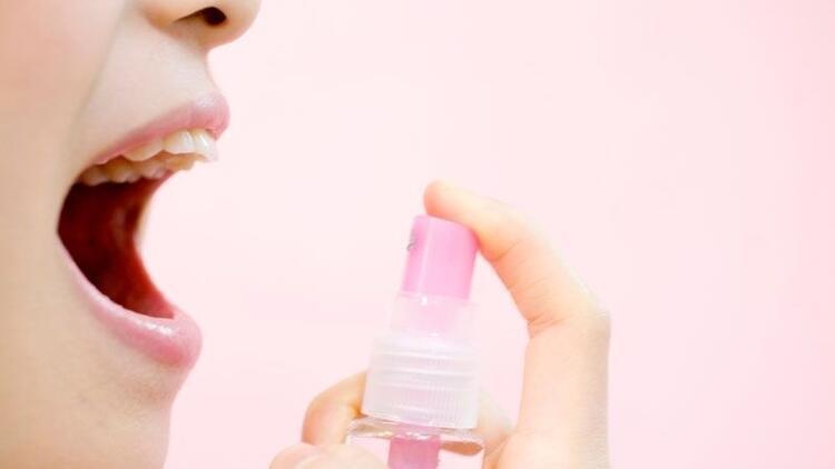 Ağız kokusunu önlemek için ağız spreyi kullanmak orucu bozar mı?