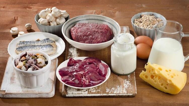 B12 hangi besinlerde bulunur, eksikliği nasıl anlaşılır?