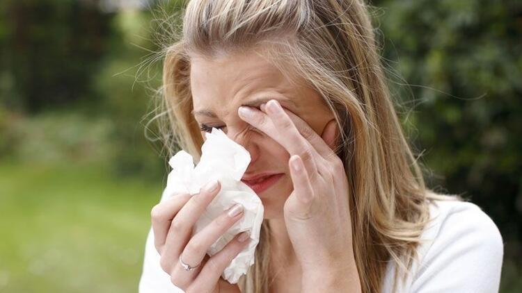 Göz alerjileri tedavi edilmezse göz kaybına neden olabiliyor
