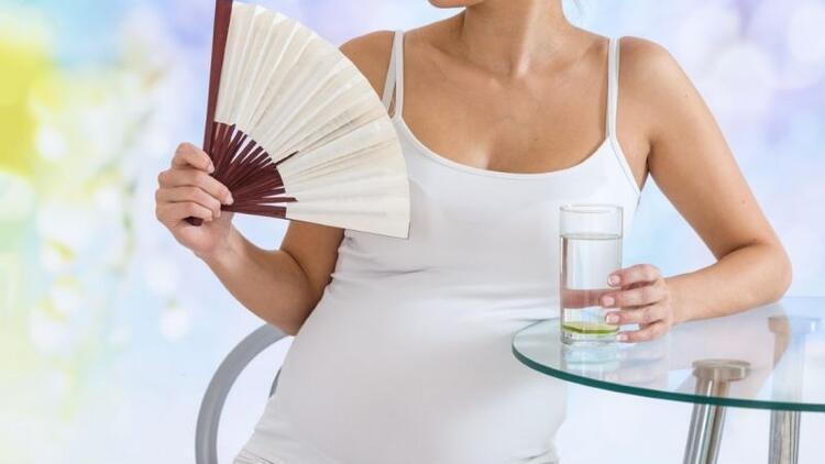 Hamilelikte sıcak basması neden olur?