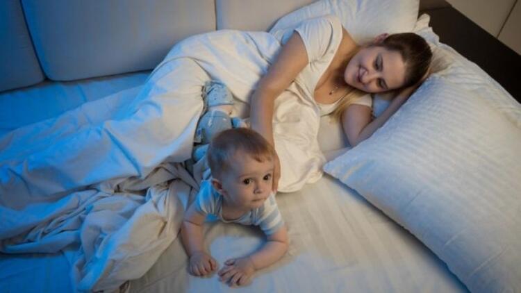 Bebekler gece neden sık uyanırlar?