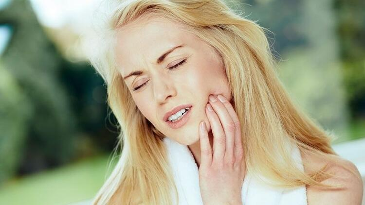 Ağrıyan dişe kolonya basmayın