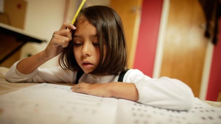 Başarılı bir eğitim dönemi için çocuğunuza bu cümleleri kurmayın
