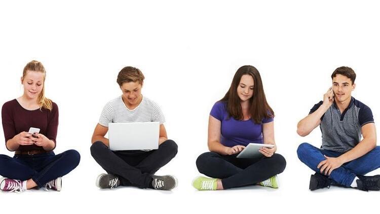 Ergenlik döneminde sosyal medya kullanımı kısıtlanmalı mı?