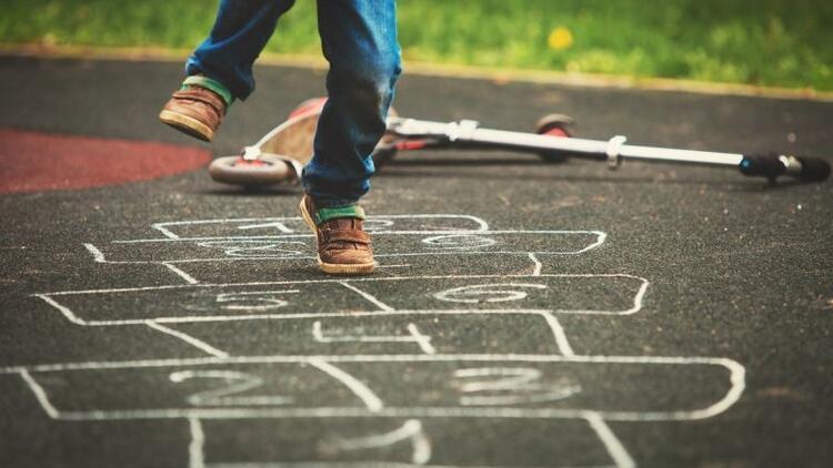 Kaçınızın çocuğu sokakta oyun oynuyor?