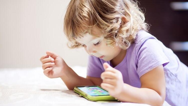 Çocukların mobil cihaz kullanımı sınırlandırılmalı