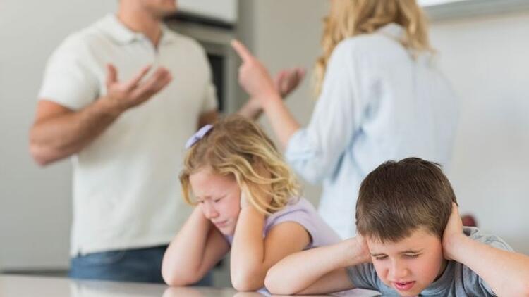 Çocuklarınızın önünde tartışmayın!