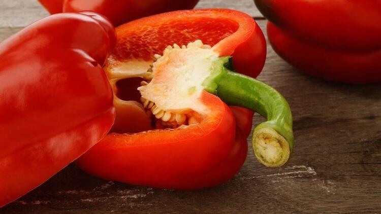 Kırmızı biberi tohumuyla beraber tüketin
