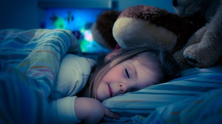 Büyüme hormonu özellikle gece uykuda salınıyor!