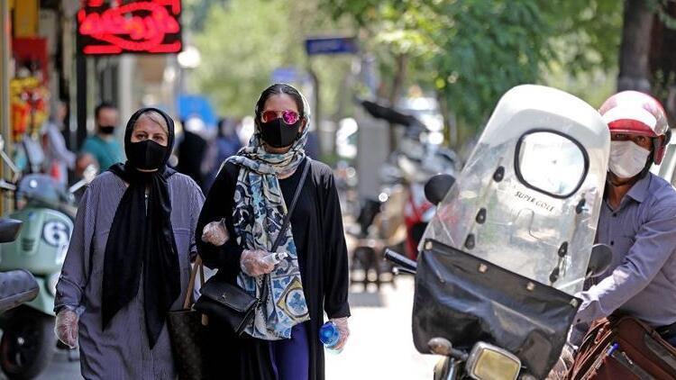 İran'da Covid-19 kaynaklı can kaybı 11 bini geçti