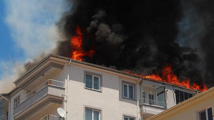 Kayseri'de çatı yangını