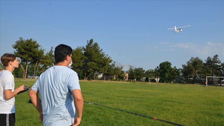 Lise öğrencileri insansız hava araçları için kıyasıya yarışacak