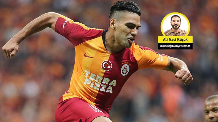 Galatasaray'da en pahalı golleri Radamel Falcao atıyor