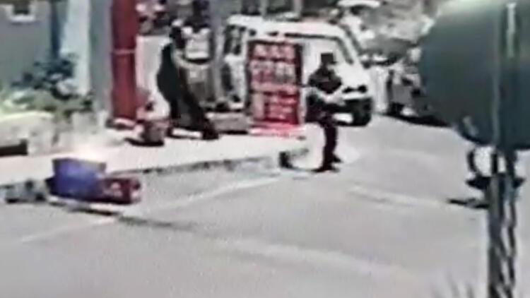Antalyada hareketli dakikalar... 2 polisi yaraladı, vurularak durduruldu