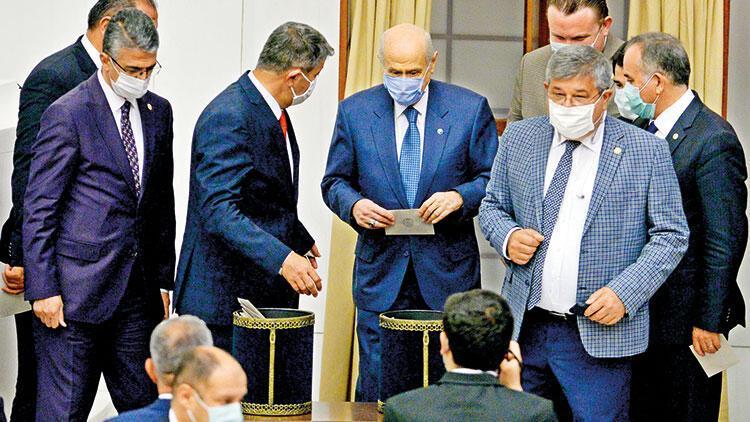 Mecliste bir ilk: Bahçeli İYİ Parti'nin teklifine 'kabul' verdi