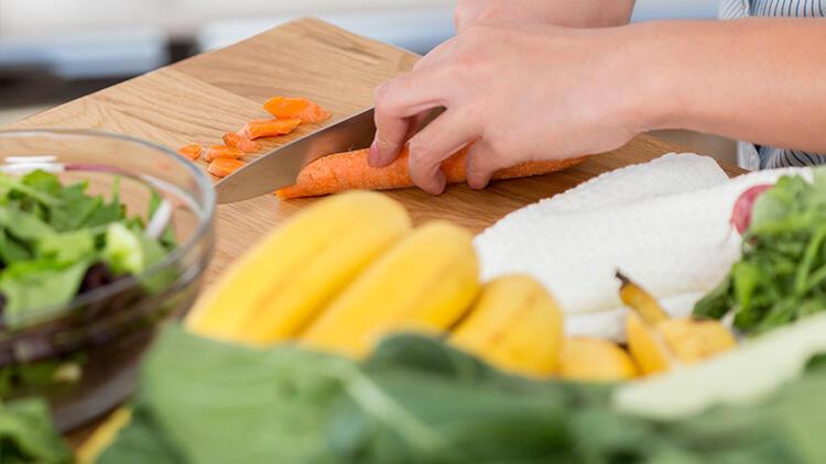 Akdeniz diyeti salatası tarifi