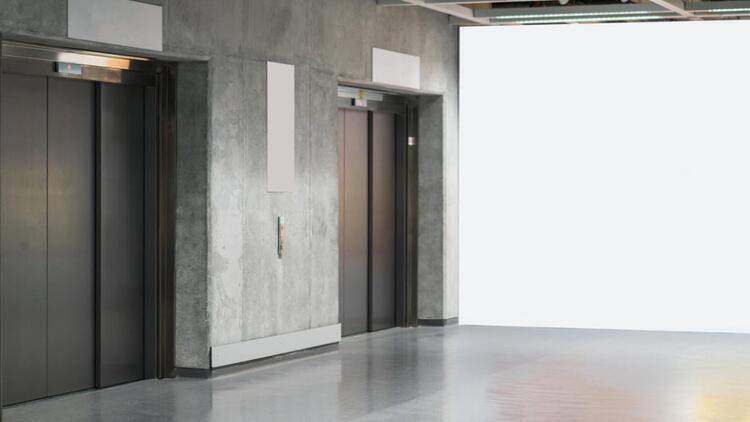 Asansör güvenliği için renk etiketlerine dikkat