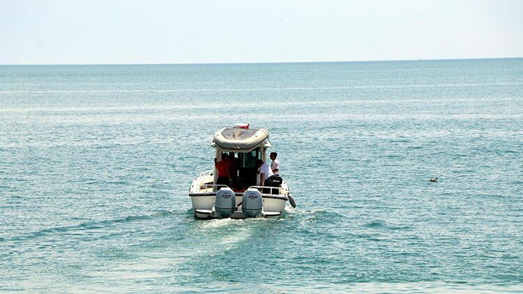 Van Gölü'nde batan teknenin bulunduğu alanda çalışmalar sürüyor