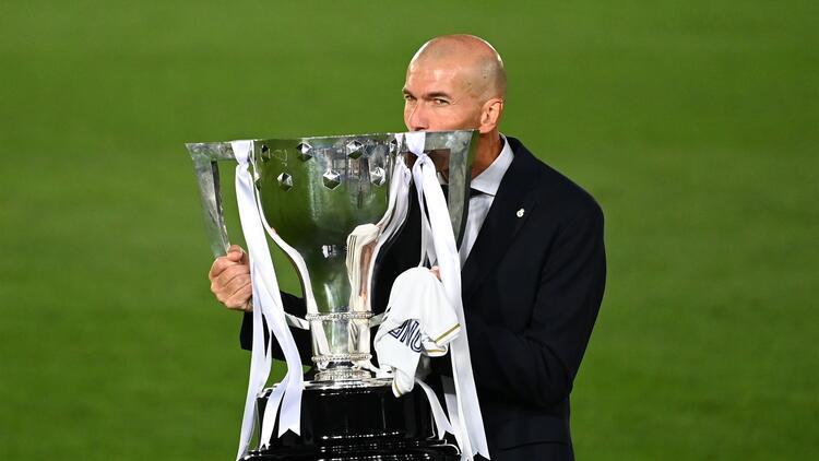 34. La Liga şampiyonluğunu kazanan Real Madrid, toplam kupa sayısını 91'e çıkardı!