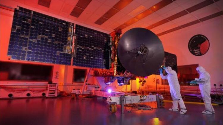 Birleşik Arap Emirlikleri'nin Mars'a gidecek uydusu fırlatıldı
