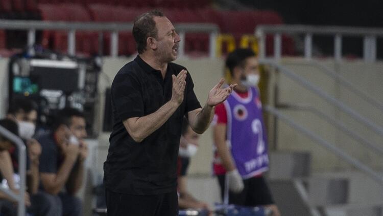 Beşiktaşta ilk hedef tamam, sıra yeni sezonun transferlerinde