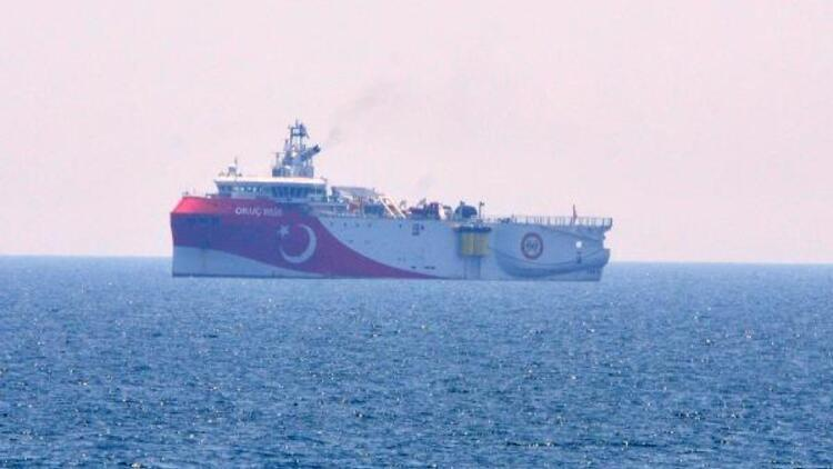 Oruç Reis'in Akdeniz açıklarında bekleyişi sürüyor