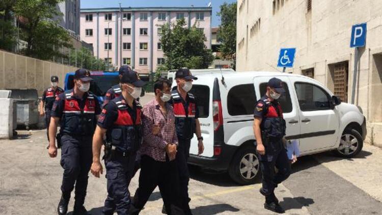 2 kişiyi bıçaklayarak kaçmaya çalıştı, terminalde yakalandı