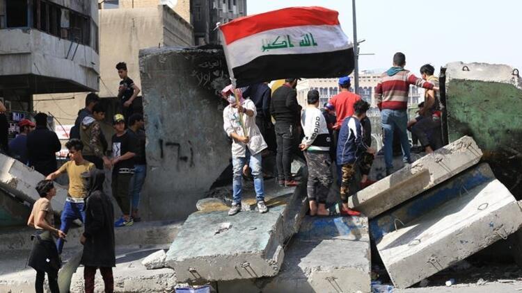 Bağdat'ta, hükümet karşıtı gösteriler alevlendi: 2 ölü