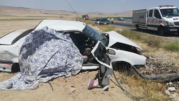 Bitliste otomobil takla attı: 1 ölü, 3 yaralı
