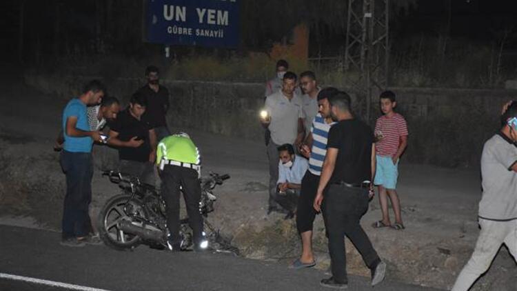Kayseride korkunç kaza Motosiklet parçalandı, 2 kişi hayatını kaybetti