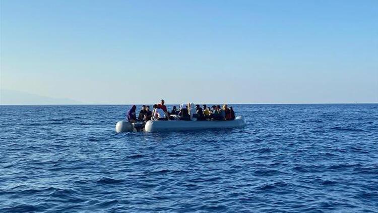 İzmirde 99 göçmen kurtarıldı