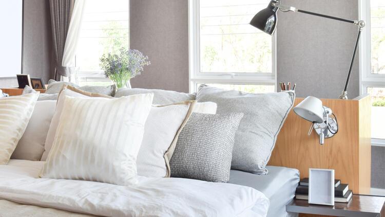 Küçük yatak odalarını fonksiyonel bir mekana dönüştürmek için öneriler