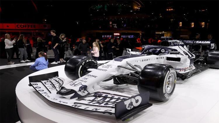 Formula 1'in yeni takımı AlphaTauri 'Kapıları Aç'tı