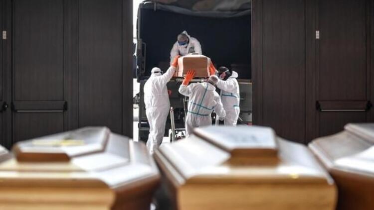 İtalyada koronavirüs kaynaklı ölümlerin sayısı 35 bin 123e yükseldi
