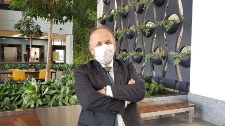 Bilim Kurulu Üyesi Öztürk: Eldiven kullanımının faydası değil zararı olur