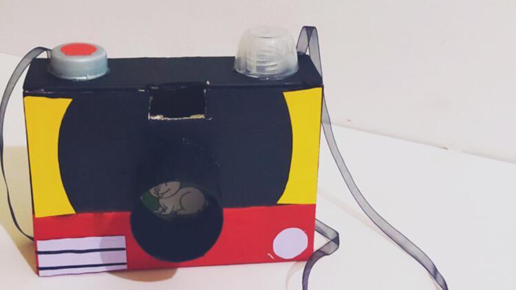 Karton kutudan fotoğraf makinesi yaptık!