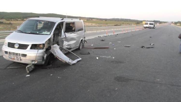 Çanakkale'de iki araç çarpıştı: 1'i ağır 5 yaralı