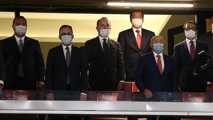 Bakan Kasapoğlu, kupa finali öncesi kulüp başkanlarıyla bir araya geldi