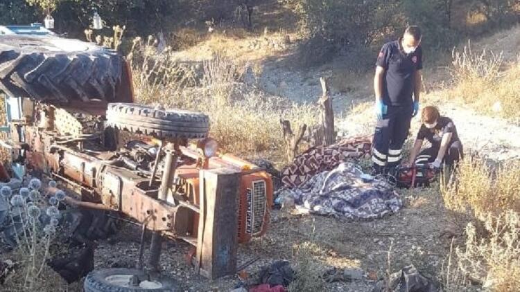Devrilen traktörün altında kalan karı- koca öldü