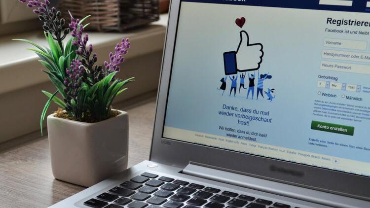 Facebook'un günlük kullanıcı sayısı 1,8 milyara dayandı