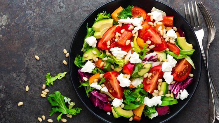Hem Göze Hem Mideye: Gökkuşağı Salatası