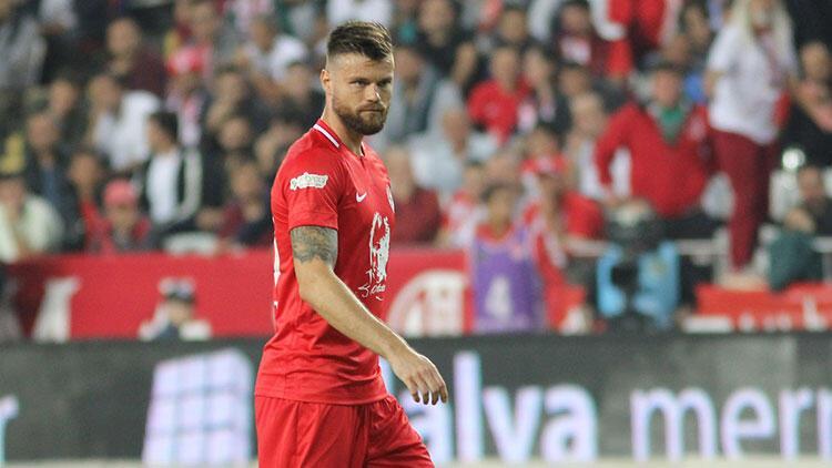 Antalyaspordan Celustka için Seni unutmayacağız mesajı